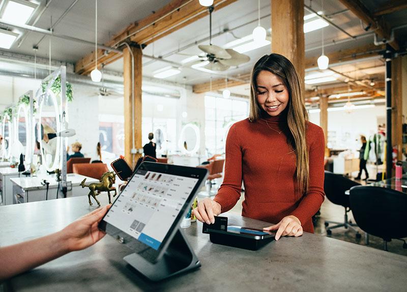 Bezahlen mit Revolving Credit Card